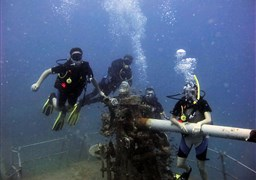 Scuba diving in HTMS Sattakut in Thailand
