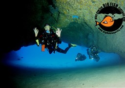 Scuba diving in Palmar Cave in Spain