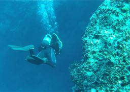 Scuba diving in Christians Rocks in Greece